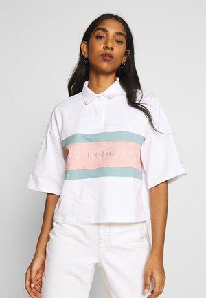 ATHLETICS SHORT SLEEVE - Print T-shirt - white