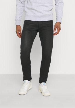 WILLBI - Jeans fuselé - black