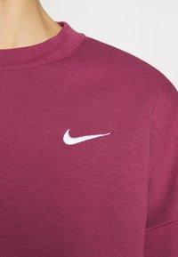 Nike Sportswear - CREW TREND - Sudadera - mulberry rose/white - 4