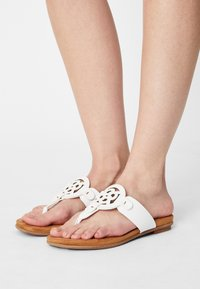 Bugatti - JASMIN - T-bar sandals - white - 0