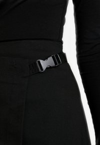 Envii - ENFROSTINE SKIRT - Falda cruzada - black - 4