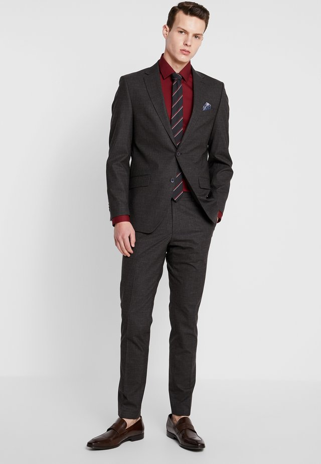SUIT SLIM FIT - Completo - brown