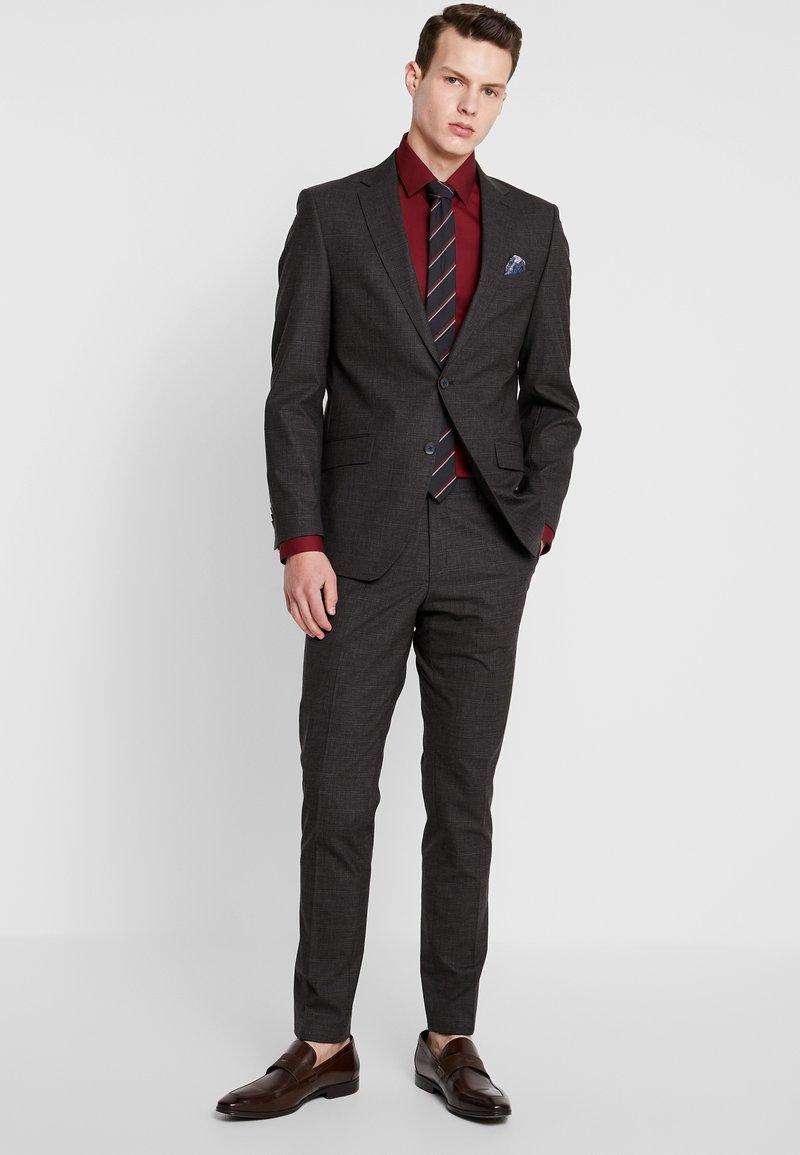Bugatti - SUIT SLIM FIT - Kostym - brown