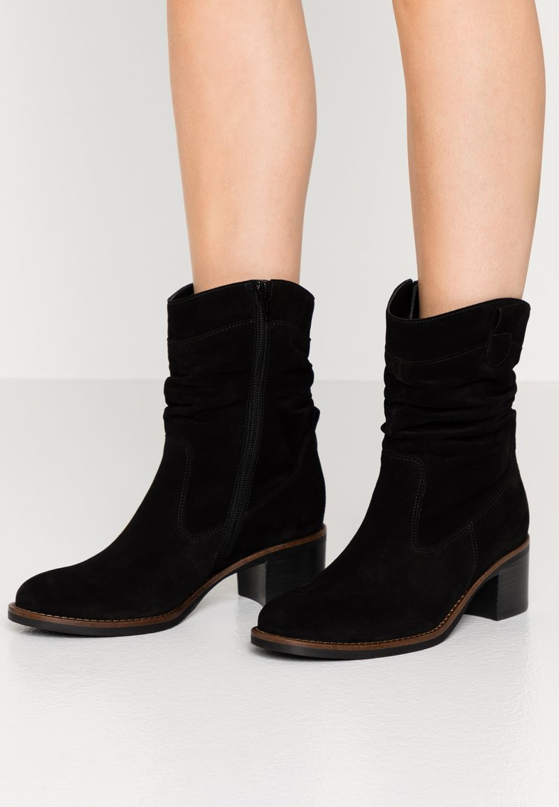 Gabor - Classic ankle boots - schwarz