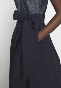 Lauren Ralph Lauren - MEMORY TAFFETA DRESS COMBO - Vestido de cóctel - lighthouse navy - 5