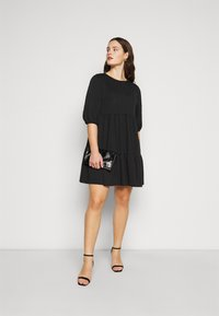 New Look Curves - TIER LOOPBACK SMOCK - Jersey dress - black - 1