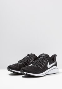 Nike Performance - AIR ZOOM VOMERO 14 - Neutral running shoes - black/white/thunder grey - 2