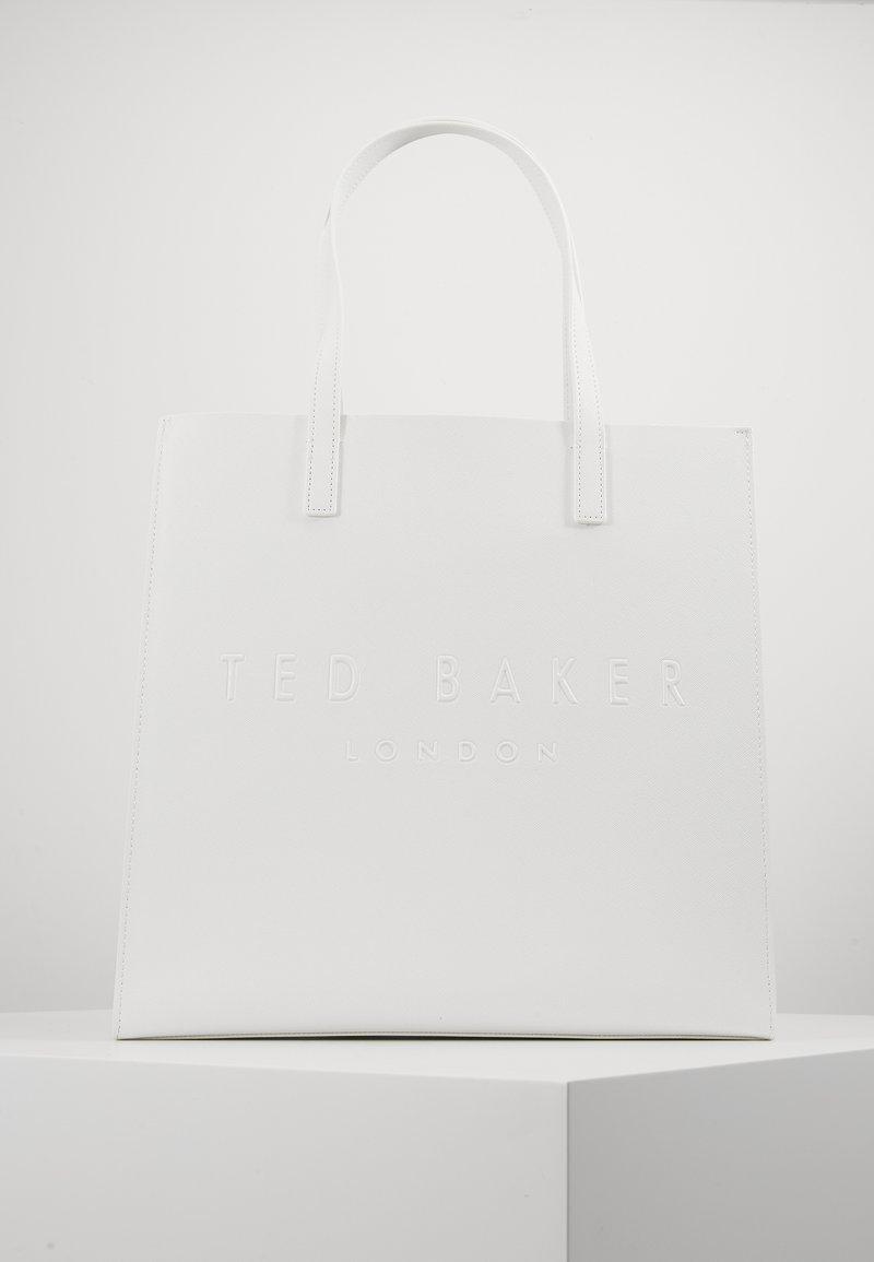 Ted Baker - MICKON - Shoppingveske - ivory
