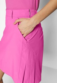 Kjus - IRIS SKORT LONG - Sports skirt - pink divine - 3