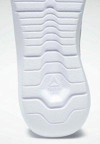 Reebok - ENERGYLUX 2.0 3D ULTRALITE - Neutral running shoes - grey - 8