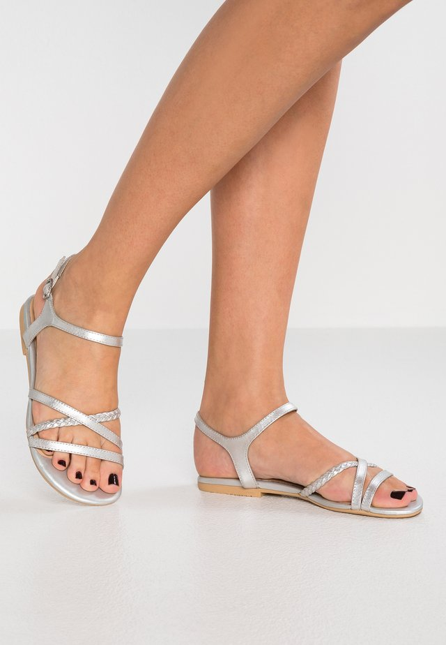 LEATHER SANDALS - Sandali - silver