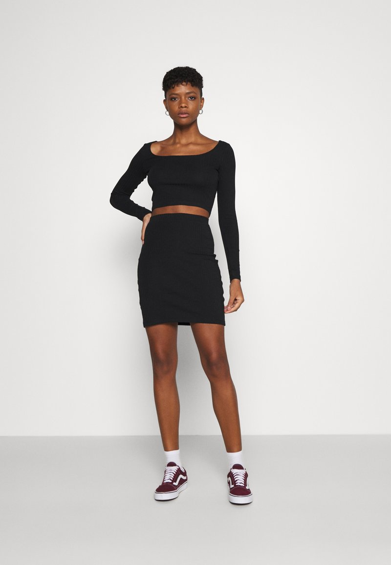 Even&Odd - SET - Boat neck long sleeves crop top with mini high waisted skirt - Minisukně - black
