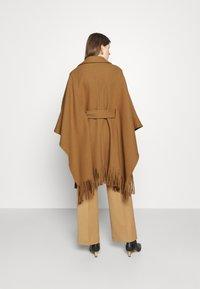 Pinko - PUERTA MANTELLA PANNO - Classic coat - camel - 2