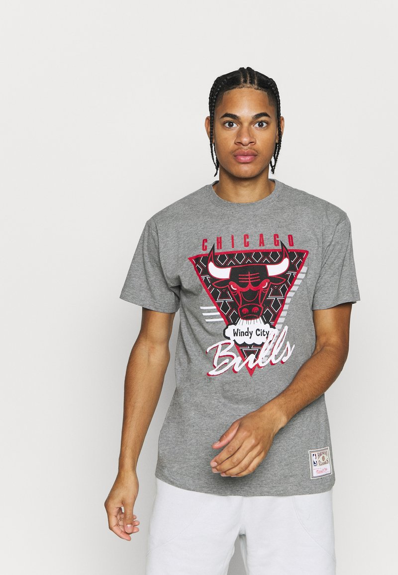 Mitchell & Ness - NBA LAST DANCE CHICAGO BULLS WINDY CITY TEE - Klubbkläder - grey