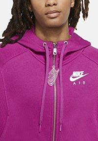Nike Sportswear - Zip-up hoodie - cactus flower/white - 5