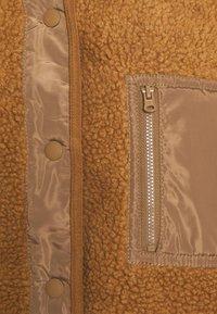 American Eagle - LONG SHIRT TAIL SHERPA JACKET - Winter jacket - brown - 3