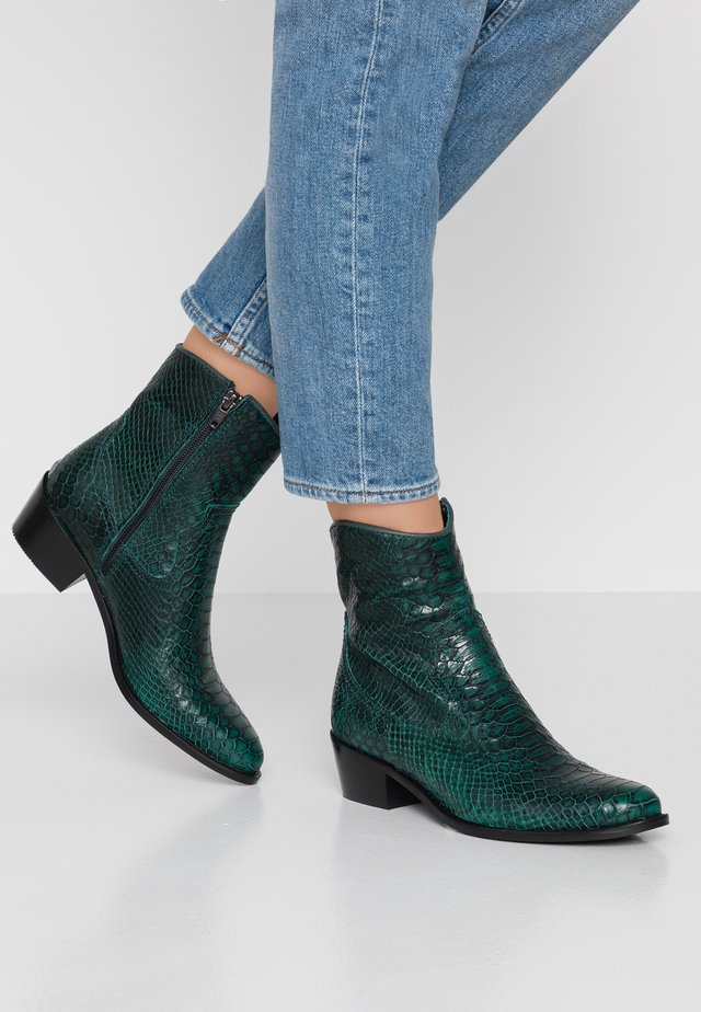 Cowboy/biker ankle boot - green