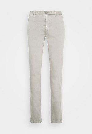 ZEUMAR HYPERFLEX  - Trousers - clay grey
