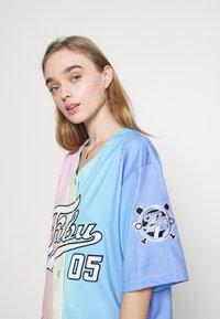FUBU - VARSITY GRADIENT BASEBALL - Print T-shirt - multicolor - 3