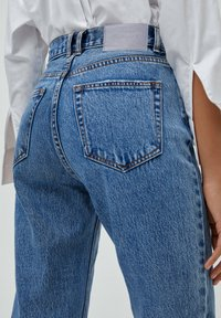 PULL&BEAR - MOM - Jeans baggy - light blue - 5