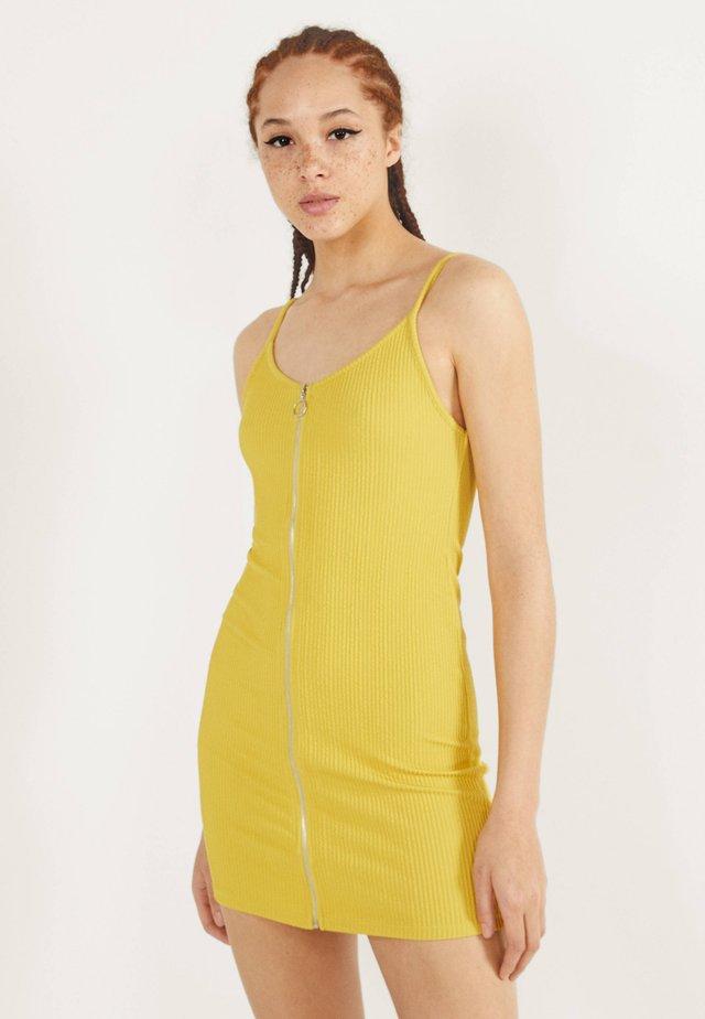 MIT REISSVERSCHLUSS  - Jersey dress - mustard yellow