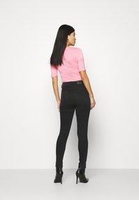 Marks & Spencer London - CARRIE  - Jeans Skinny Fit - black denim - 2