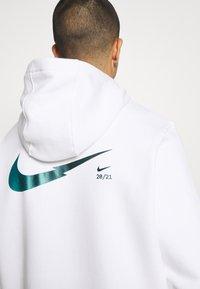 Nike Sportswear - ZIGZAG HOODIE - Sweatshirt - white - 4