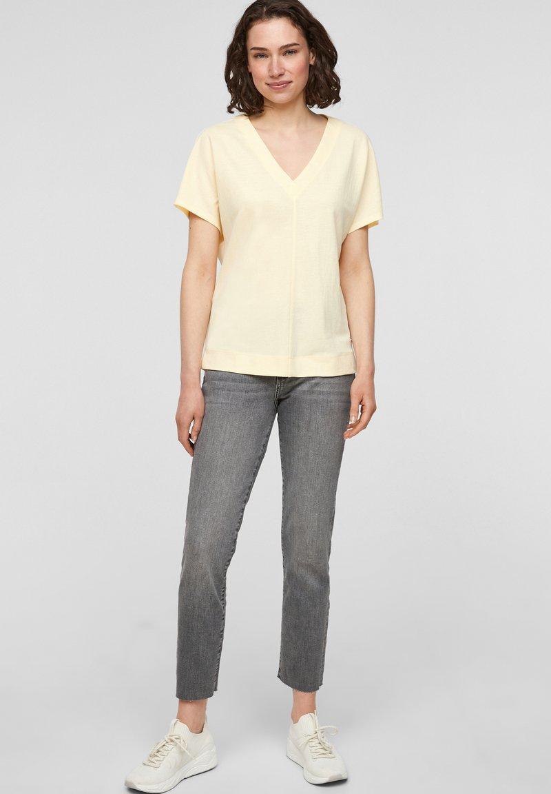 s.Oliver - Basic T-shirt - light yellow