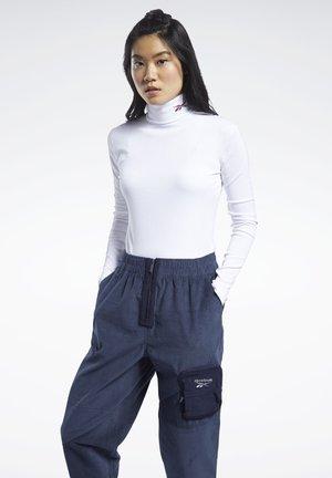 CLASSICS TURTLENECK - Sweatshirt - white