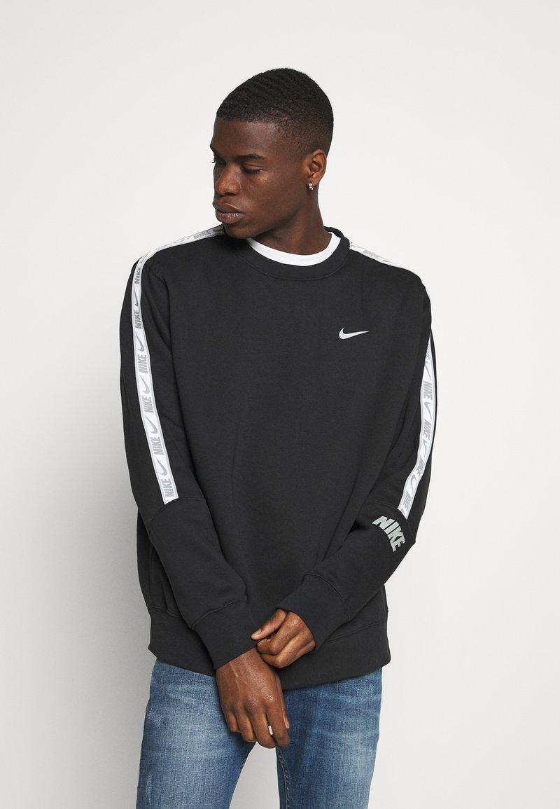 Nike Sportswear - REPEAT CREW - Sweatshirt - black/silver