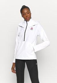 Reebok - CONTROL HOODIE - Soft shell jacket - white - 0