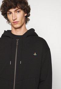 Vivienne Westwood - RUGGED ZIP HOODIE - Zip-up sweatshirt - black - 5