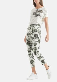 Marc Cain - Slim fit jeans - off-white - 0