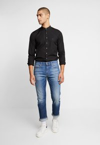Calvin Klein Tailored - EASY IRON SLIM - Košile - black - 1