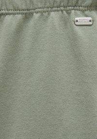 PULL&BEAR - Tracksuit bottoms - khaki - 6