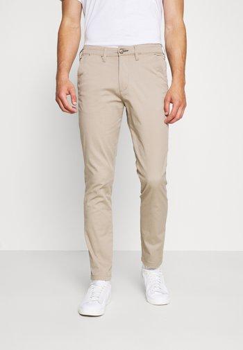 SLHSLIM-MILES - Pantalones chinos - greige