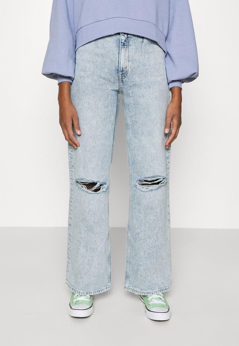 Monki - Jeans Straight Leg - blue dusty light
