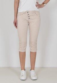 Buena Vista - Denim shorts - sand - 0