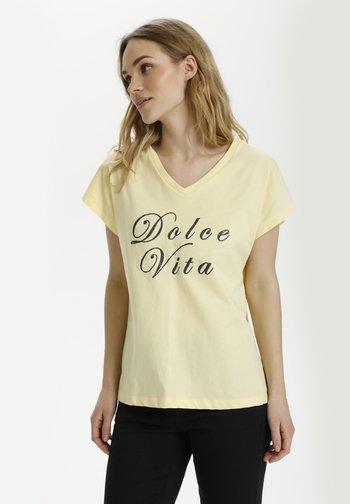KAVITA - Print T-shirt - golden haze