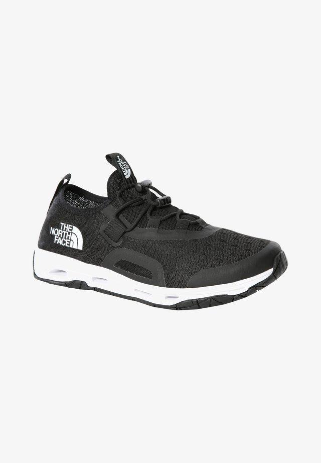 W SKAGIT WATER SHOE - Sneakersy niskie - tnf black tnf white