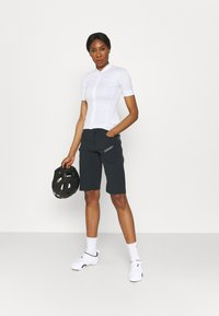 Zimtstern - TAILA EVO SHORT - Sports shorts - pirate black/gun metal - 1