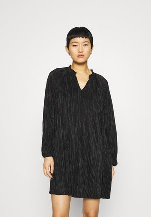 VOLUME SHIFT - Day dress - black