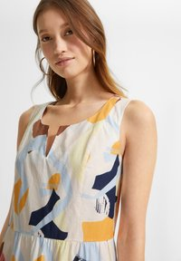 comma casual identity - Day dress - blush abstract geo - 4