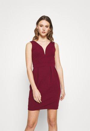 HAZEL TULIP V NECK DRESS - Jersey dress - wine