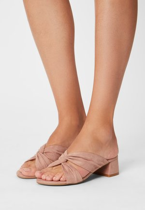 WIDE FIT CALAIS - Heeled mules - blush pink