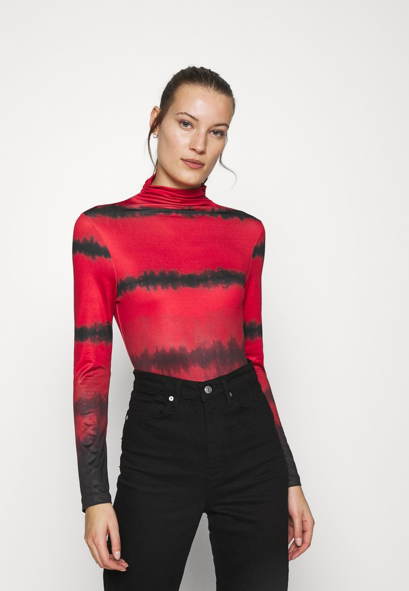 Who What Wear - RUCHED TURTLENECK - Long sleeved top - red tie dye