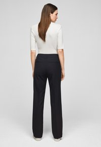 s.Oliver BLACK LABEL - Trousers - navy - 2