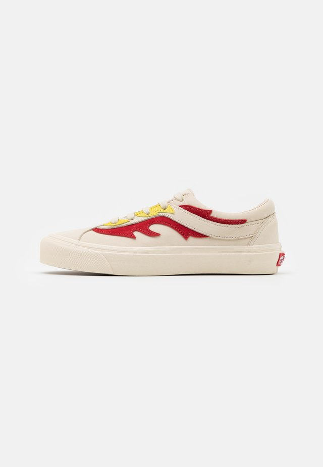 BOLD UNISEX - Trainers - antique white/red
