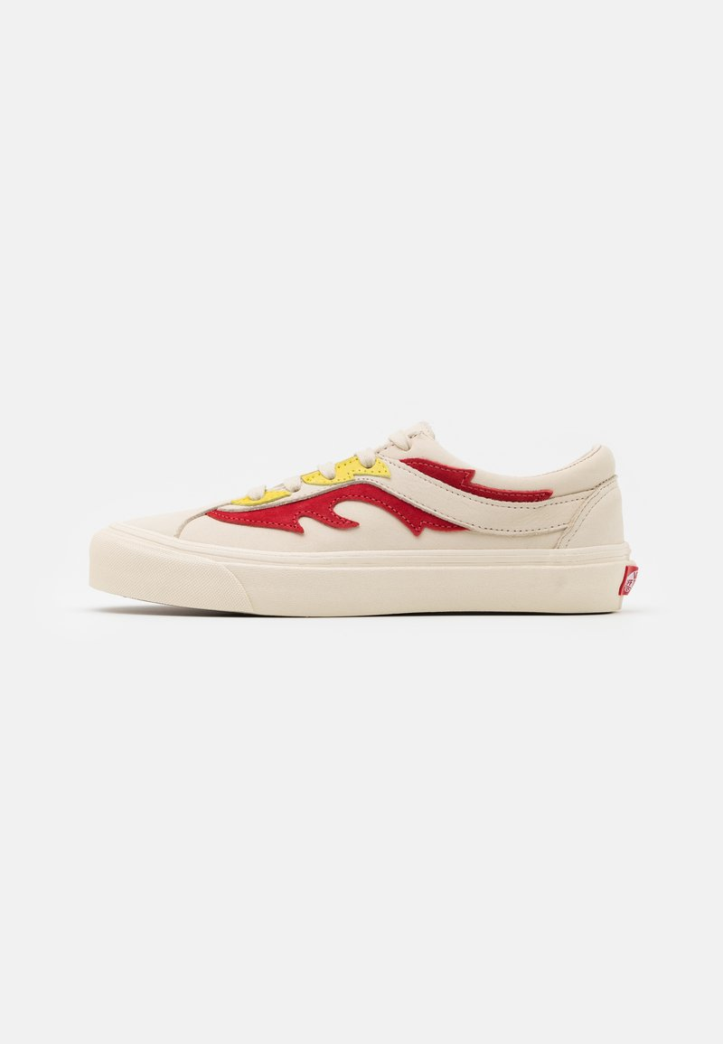 Vans - BOLD UNISEX - Trainers - antique white/red