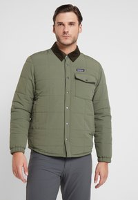 Patagonia - ISTHMUS QUILTED - Winter jacket - industrial green - 0